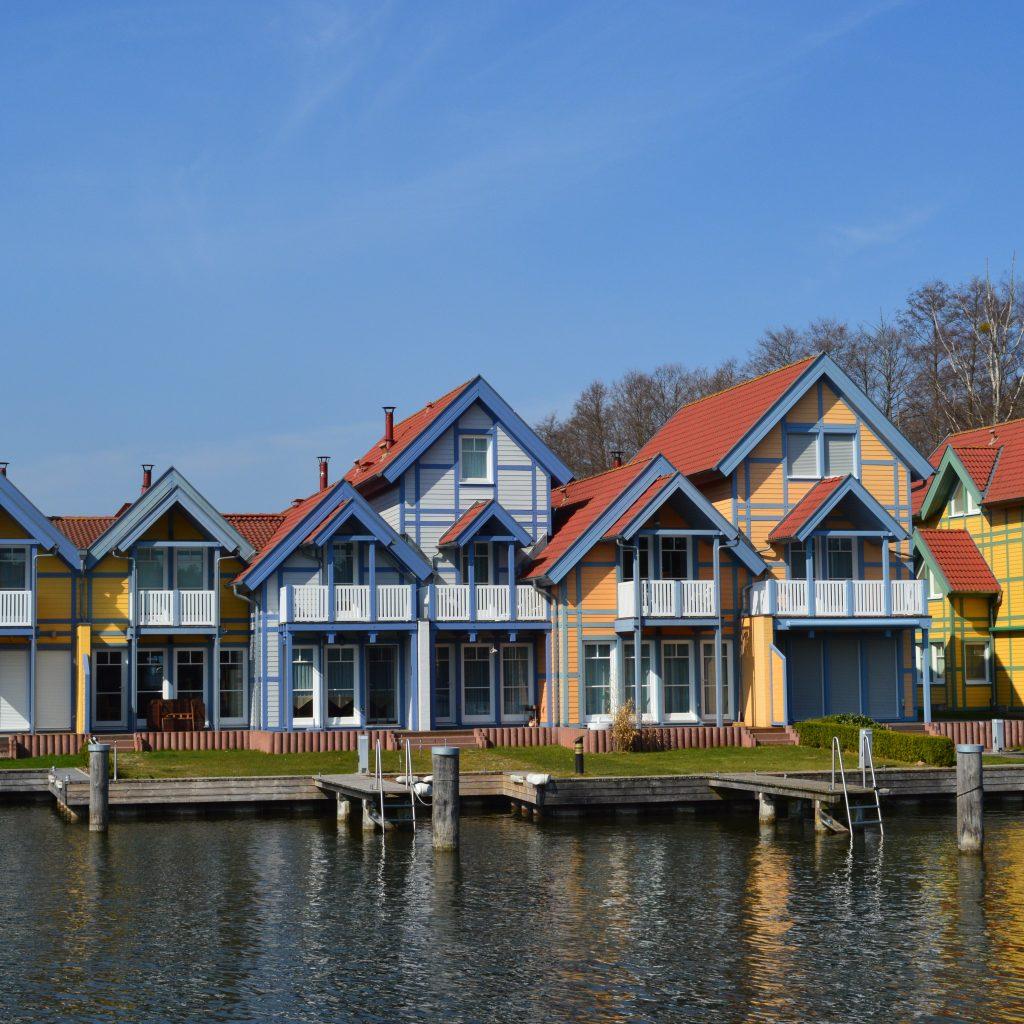 Das Haus Am See Renartis Reisen: Das Hafendorf-Rheinsberg, Ferienhaus Urlaub Mit Boot Am See
