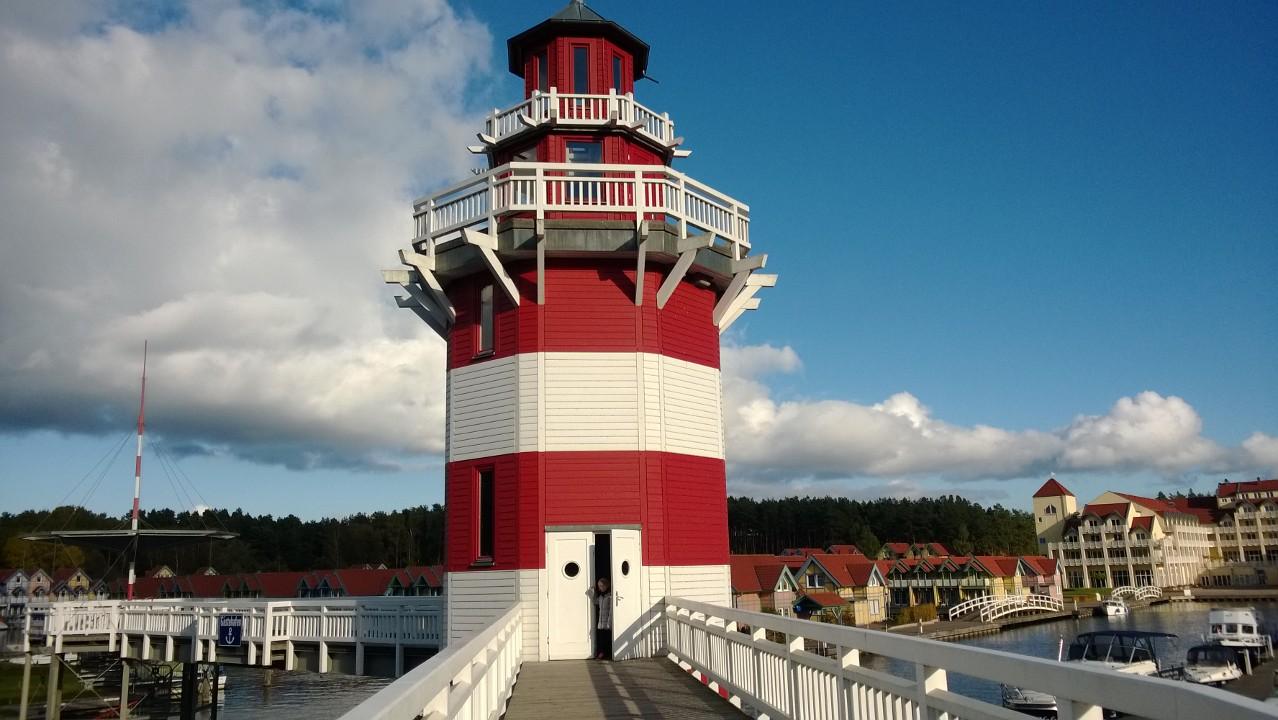 Leuchtturm im Hafendorf Rheinsberg